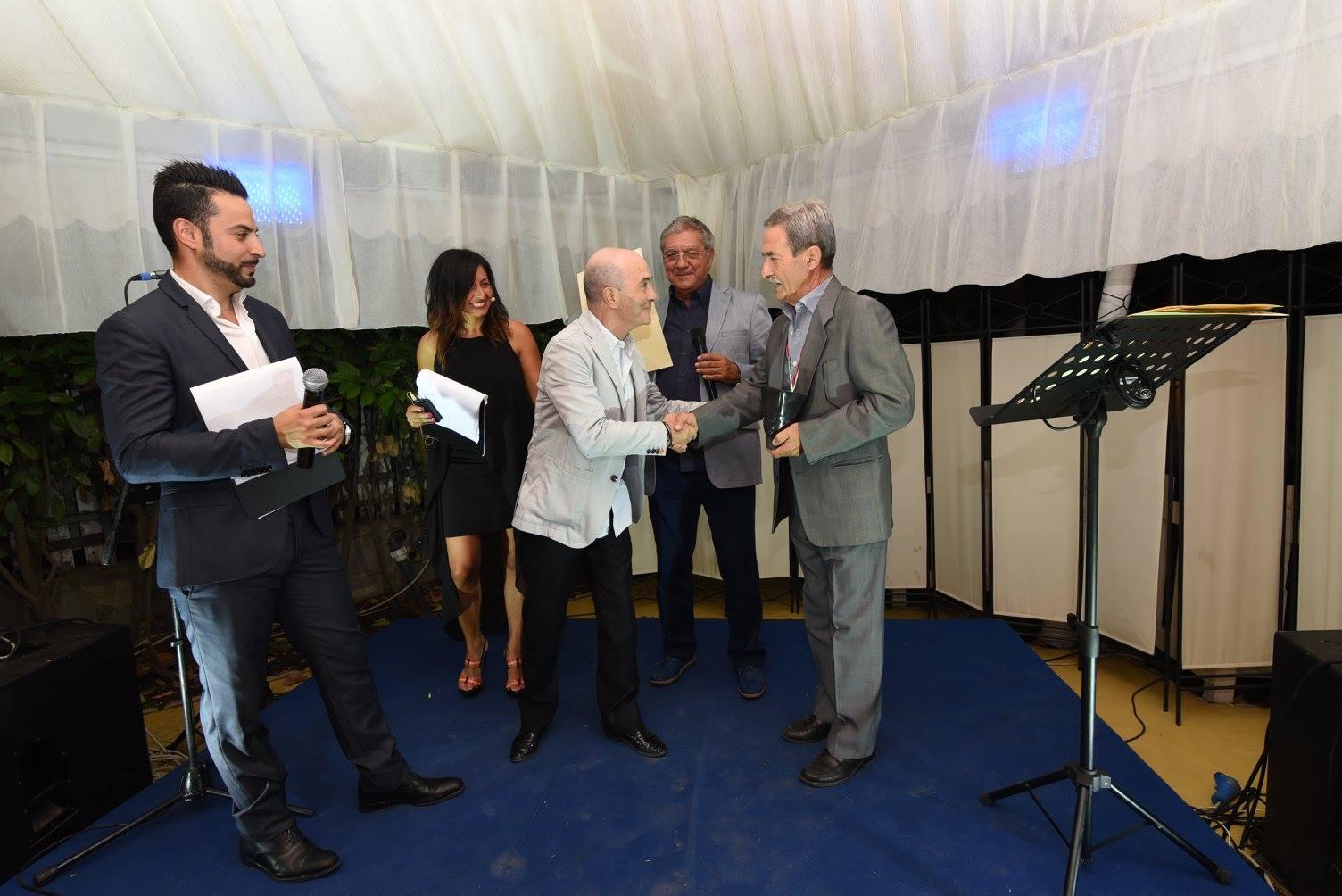Il momento della premiazione di Guido Maria Ferilli