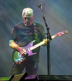 David_Gilmour_in_Munich_July_2006-ed-