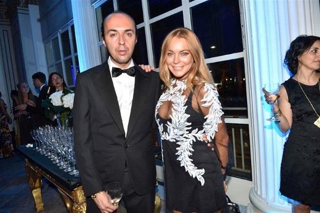 Lindsay-Lohan-in-abito-Francesco-Scognamiglio-fonte-vanitifair