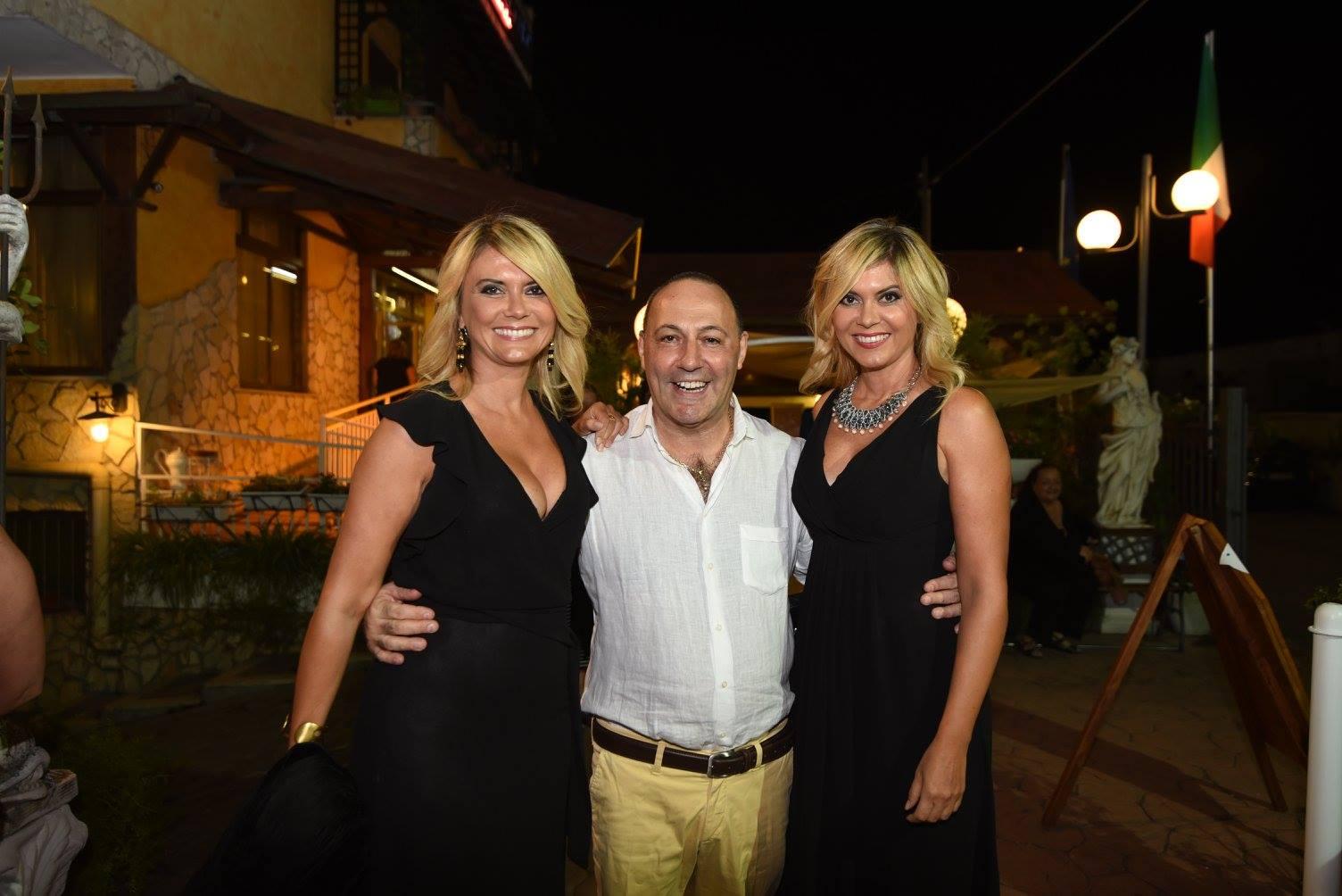 Mauro Boccuccia con le sorelle Squizzato