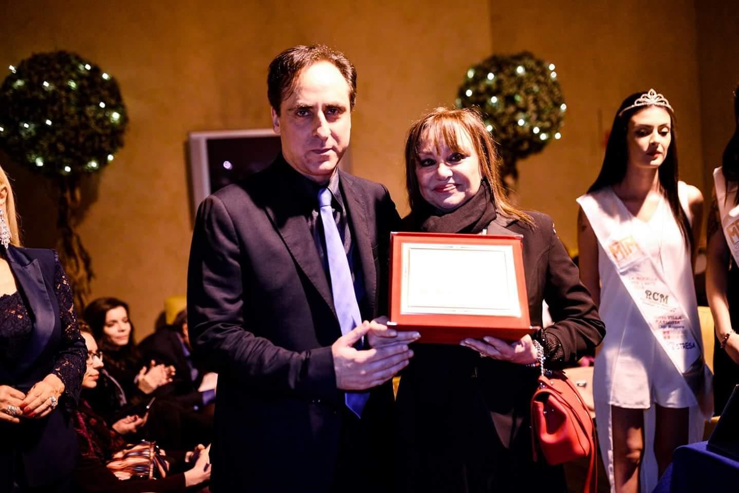 Antonello De Pierro premia Adriana Russo