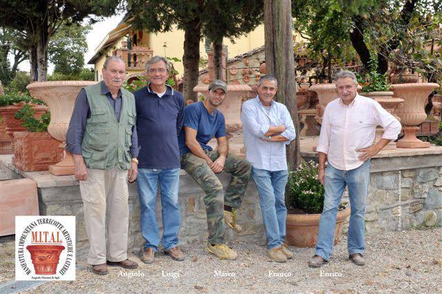 Angiolo Mariani con i figli Enrico Luigi e Franco e il nipote Marco