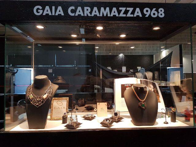Stand Gaia Caramazza