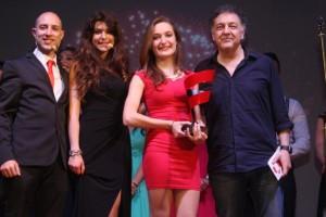 Primo-premio-con-De-Scalzi-e-presentatori-1024x683