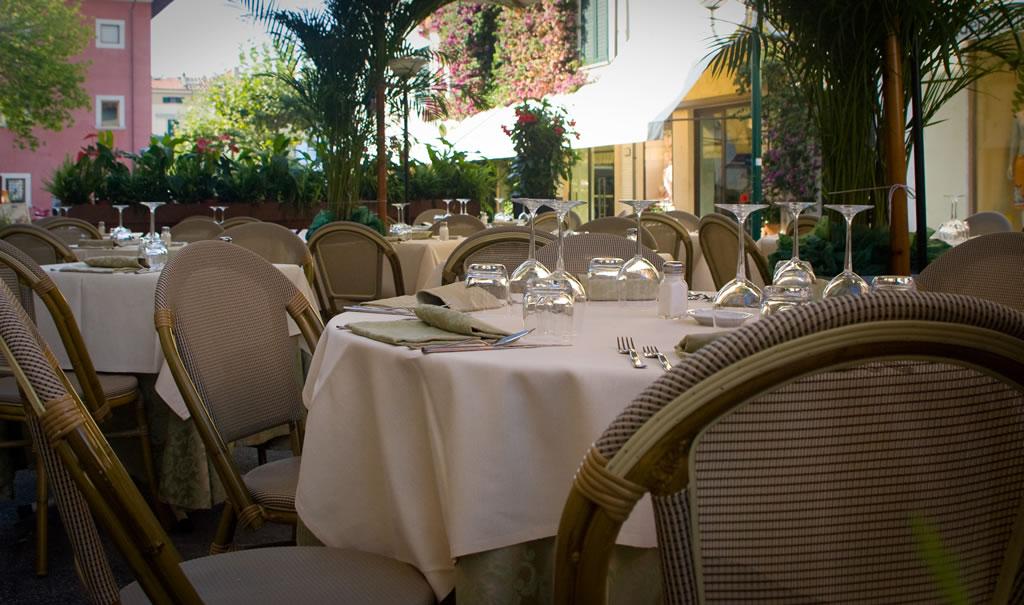esterno-ristorante-trattoria-tre-stelle-forte-dei-marmi-17