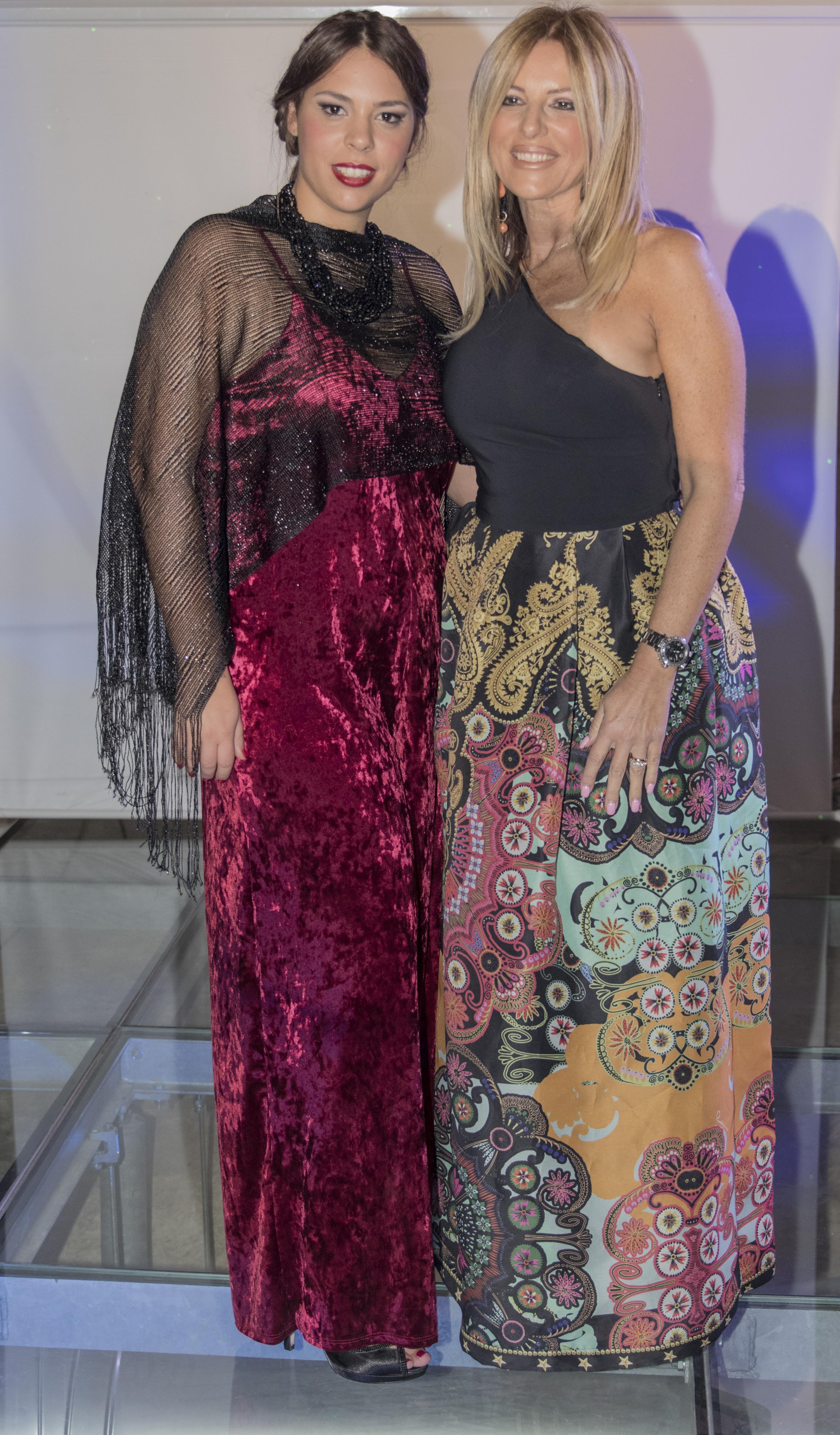 Con Daniela Mazzacane Giornalista televisiva, ma anche conduttrice, attrice-