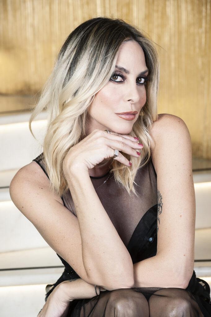 Stefania Orlando - Foto Roberto Chiovitti - Make up Gennaro Marchesi - Location Leon's Place Hotel Roma www.leonsplacehotel.it - Abiti Elisabetta Franchi