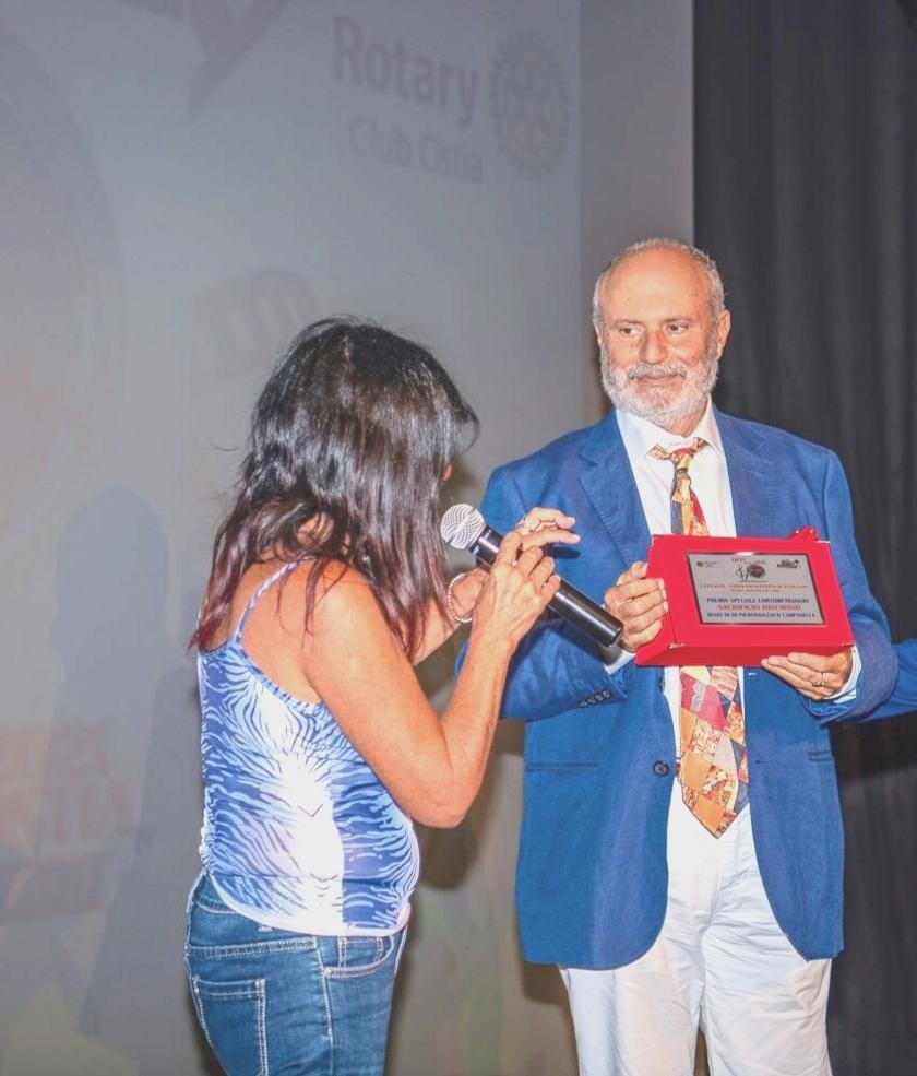 Campanella riceve il premio OFFI da Francesca Piggianelli